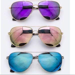 🎉HP🎉Mirrored Aviator Sunglasses